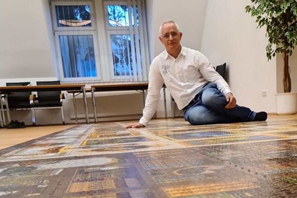 53.999 Teile! Oberfranke löst größtes Puzzle der Welt, doch ein Stück ging verloren