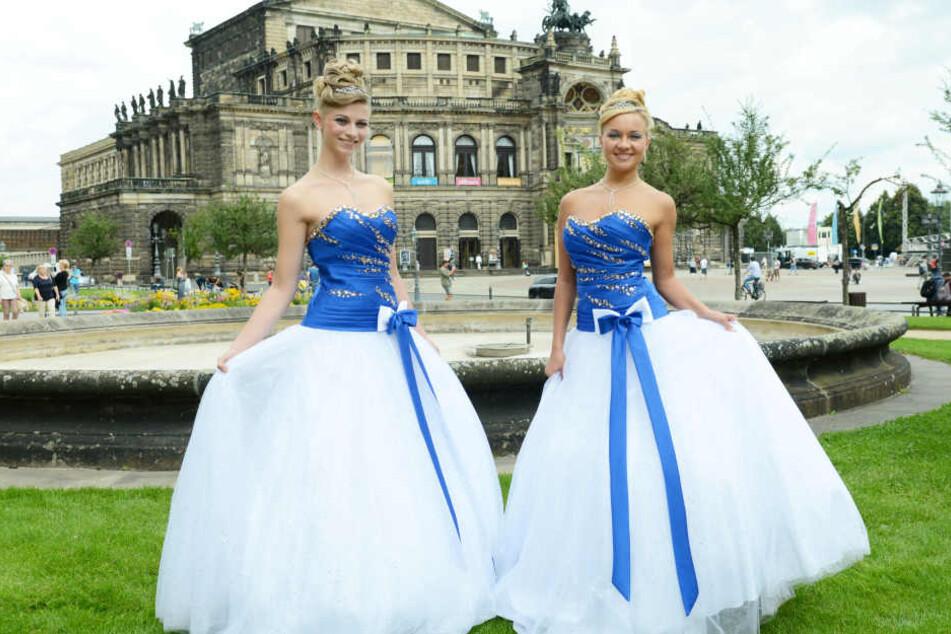 BallkleiderTAG24 SemperOpernball für sucht hübsche neue Models H92WDIebEY