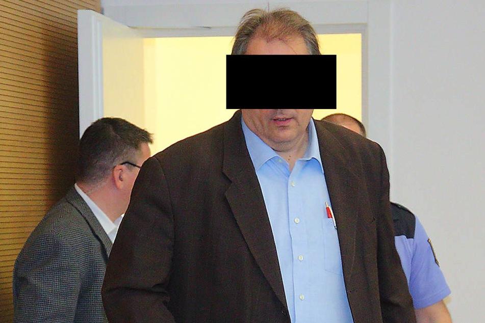 Der Angeklagte Siegfried Bullin (50) wurde aus der U-Haft entlassen.