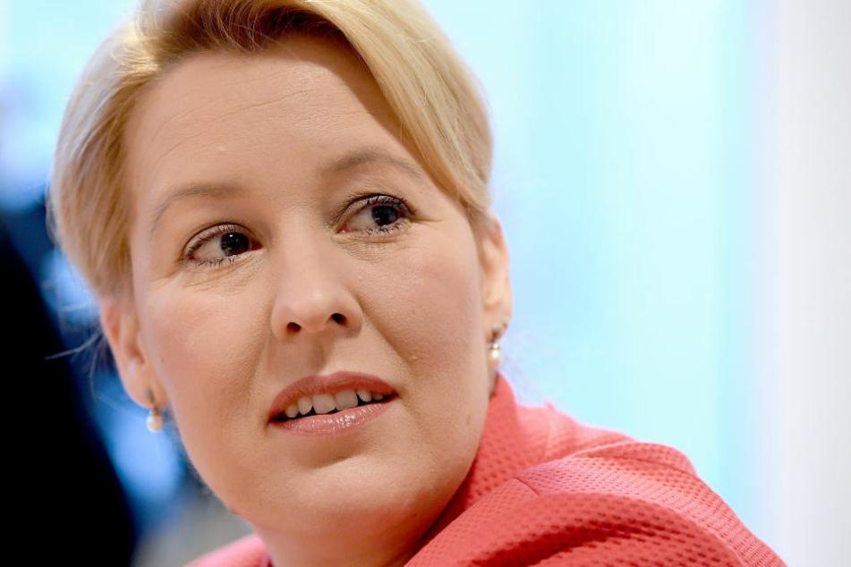 Franziska Giffey promovierte von 2005 bis 2009 im Bereich Politikwissenschaft am Otto-Suhr-Institut der Freien Universität Berlin.