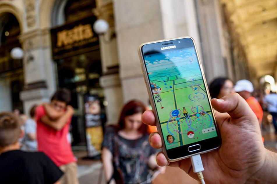 Das Smartphone-Spiel Pokémon Go entfachte 2016 einen riesigen Hype auf den Straßen.