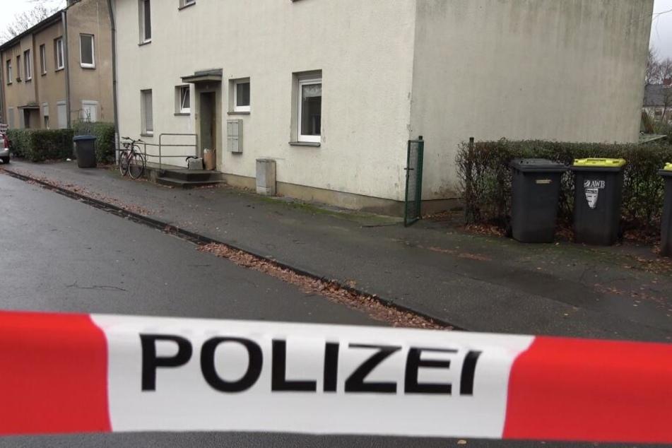 Hier ist ein Mitarbeiter der Stadt Köln bei einem Hausbesuch mit einem Messer angegriffen und tödlich verletzt worden.