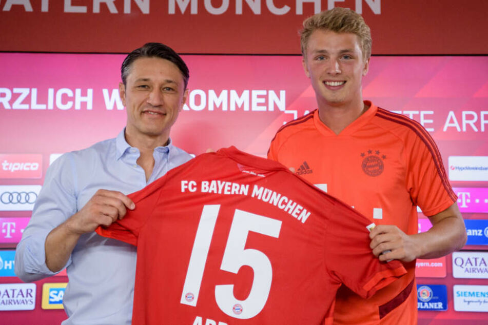 Jann-Fiete Arp (r.) muss beim FC Bayern München den nächsten Schritt machen.
