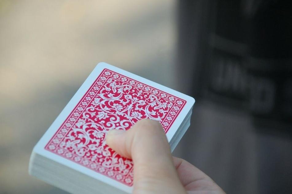 Online-Glücksspiel erfreut sich in den Bereichen Poker, Sportwetten und Glücksspiel wachsender Beliebtheit - trotzdem findet nach wie vor keine transparente Regulierung statt.