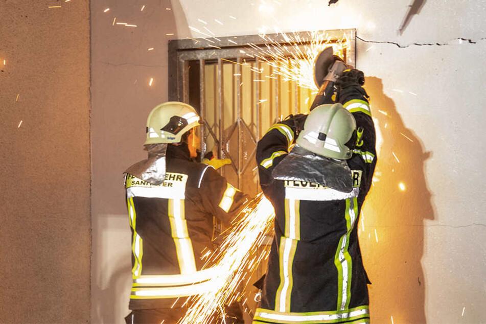Der Anbau wurde durch den Brand komplett zerstört, auch das Gaststättengebäude nahm Schaden.