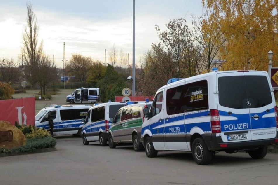 In den frühen Morgenstunden rückte die Polizei in Leipzigs größtem Freudenhaus an.