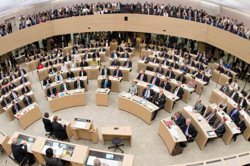 Die Abgeordneten des Landtags von Baden-Württemberg. Manche sind wohl sehr mit ihrer Altersvorsorge unzufrieden.