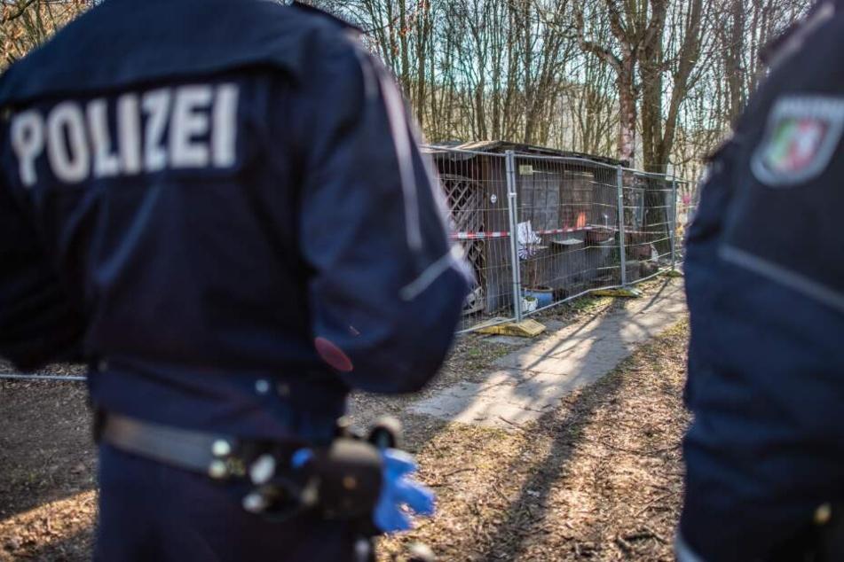 Die Polizei sperrte eine Parzelle auf dem Campingplatz ab.