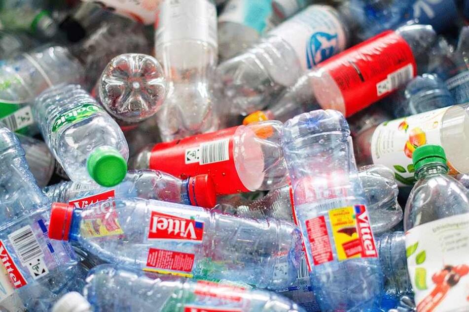Er scannte zahlreiche Pfandflaschen doppelt und dreifach... (Symbolbild).
