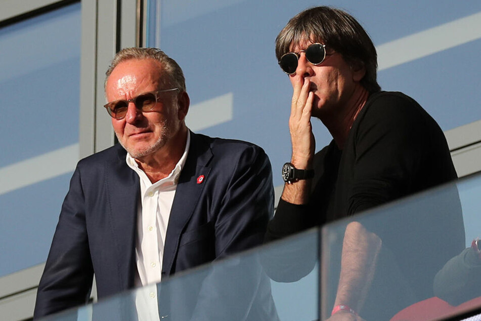 Vor wenigen Tagen trafen der Münchner Vorstandsvorsitzende in Leipzig auf den Bundestrainer. Ob es da auch zum Gespräch über die T-Frage kam?
