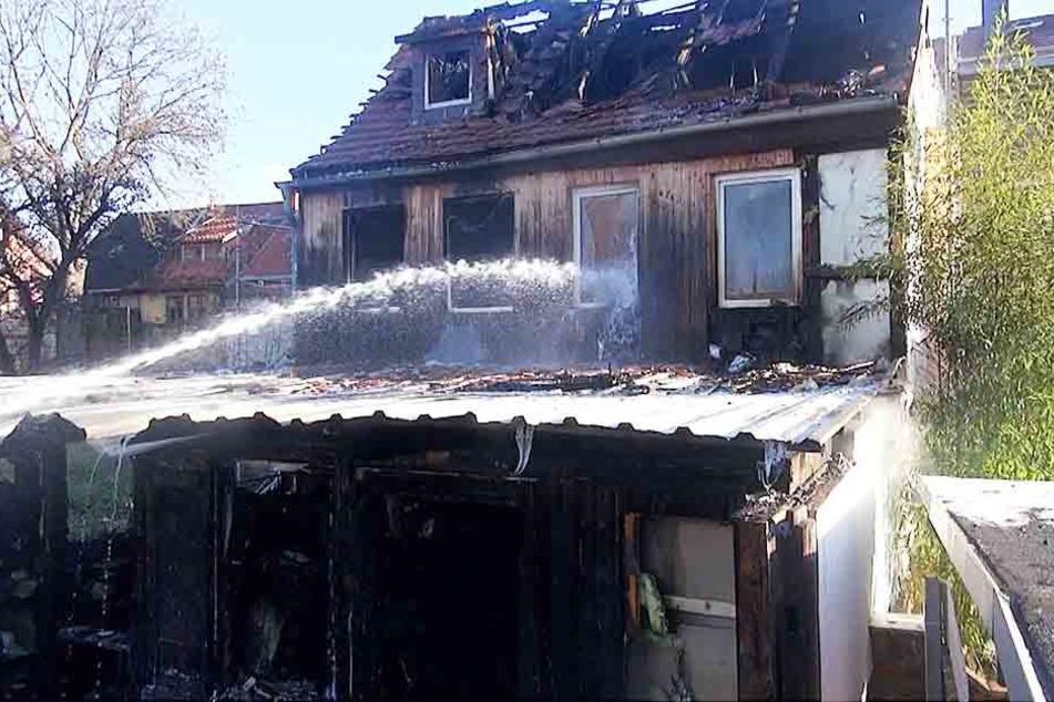 Das Wohnhaus wurde komplett zerstört und soll nun abgerissen werden.