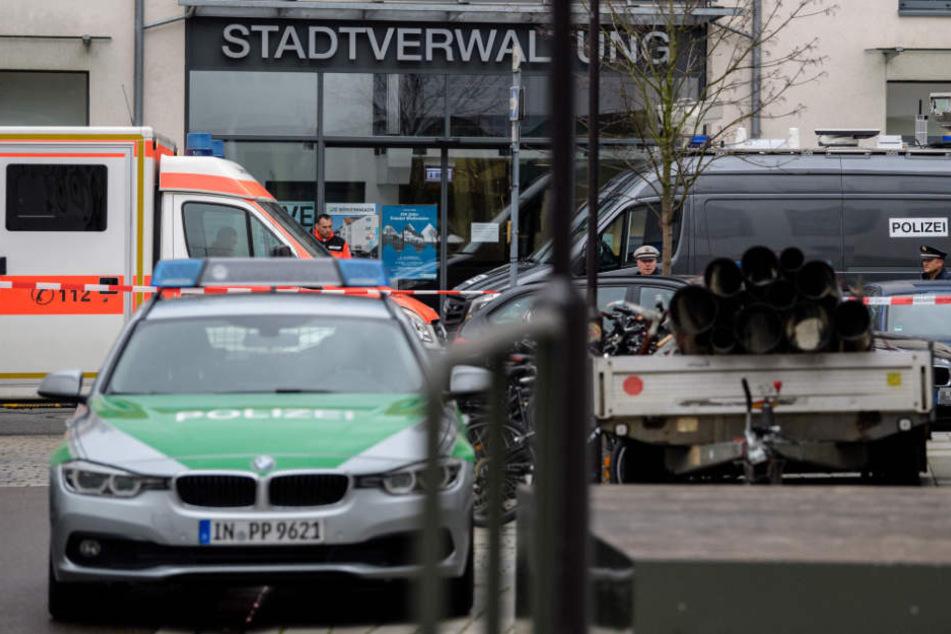 Geiselnahme in Jugendamt, Frau verletzt: Muss 29-Jähriger nicht hinter Gitter?