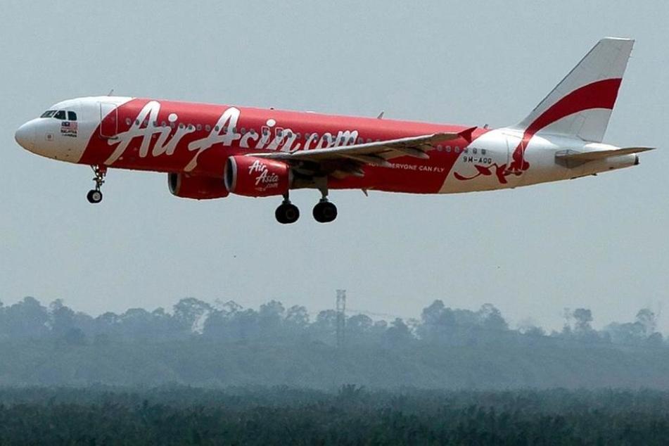 Beim Landeanflug wollte der Passagier den Notausgang öffnen. (Symbolbild)