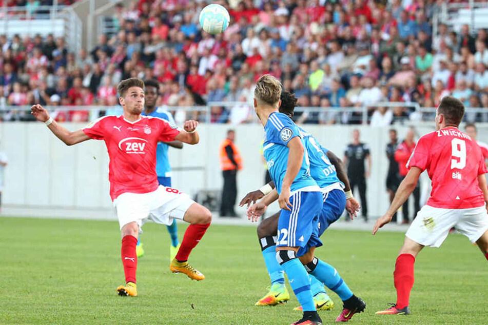 """Nach dem """"Feiertag"""" gegen den HSV muss der FSV Zwickau nun wieder die Kurve zum Ligaalltag bekommen."""