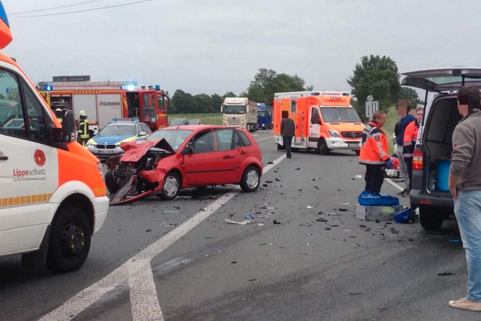 Drei Wagen konnten nach dem Unfall nicht mehr weiterfahren.