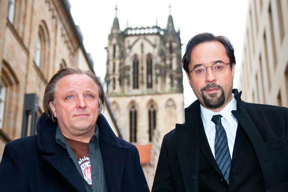 In den Hauptrollen sorgen Axel Prahl (links) als Kommissar Frank Thiel und Jan Josef Liefers (rechts) als Professort Karl-Friedrich Boerne für die richtige Mischung. Den Zuschauern scheint's zu gefallen!