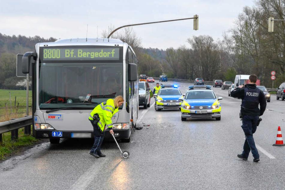 Die Unfallaufnahme durch die Beamten führte scheinbar nur zu leichten Verkehrsbehinderungen.