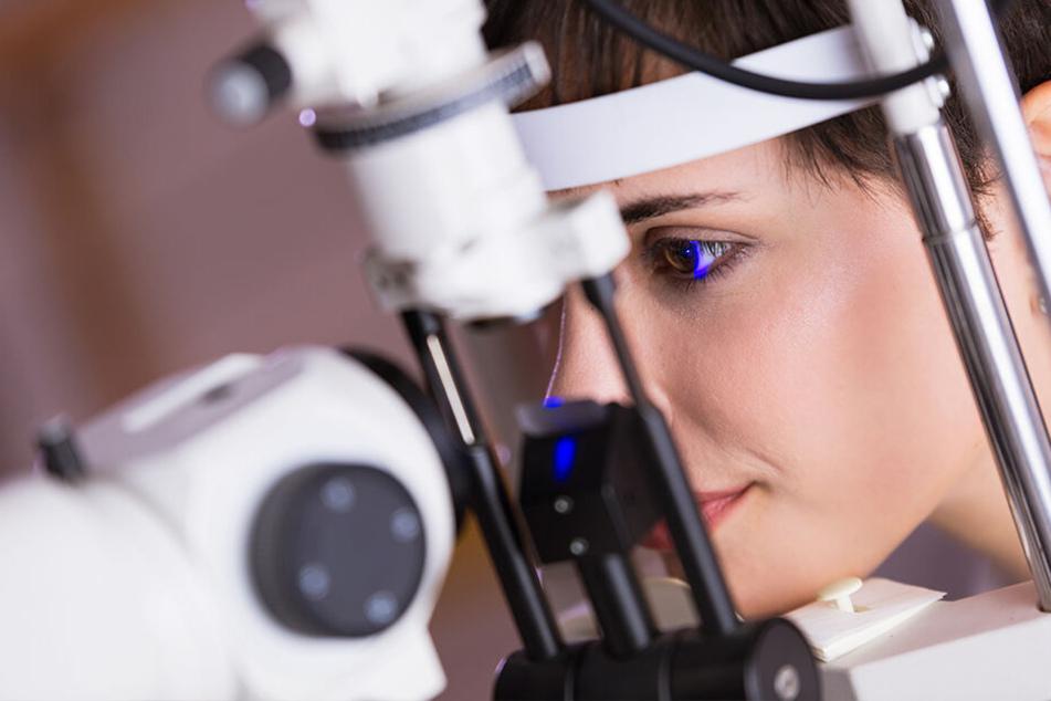 Regelmäßige Augen-Untersuchungen helfen, Krankheiten rechtzeitig zu erkennen.
