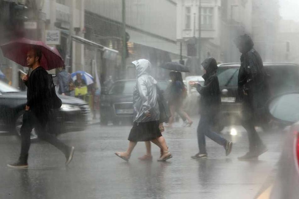 Dauerregen in Berlin. Bis zu 48 Stunden soll es schütten.