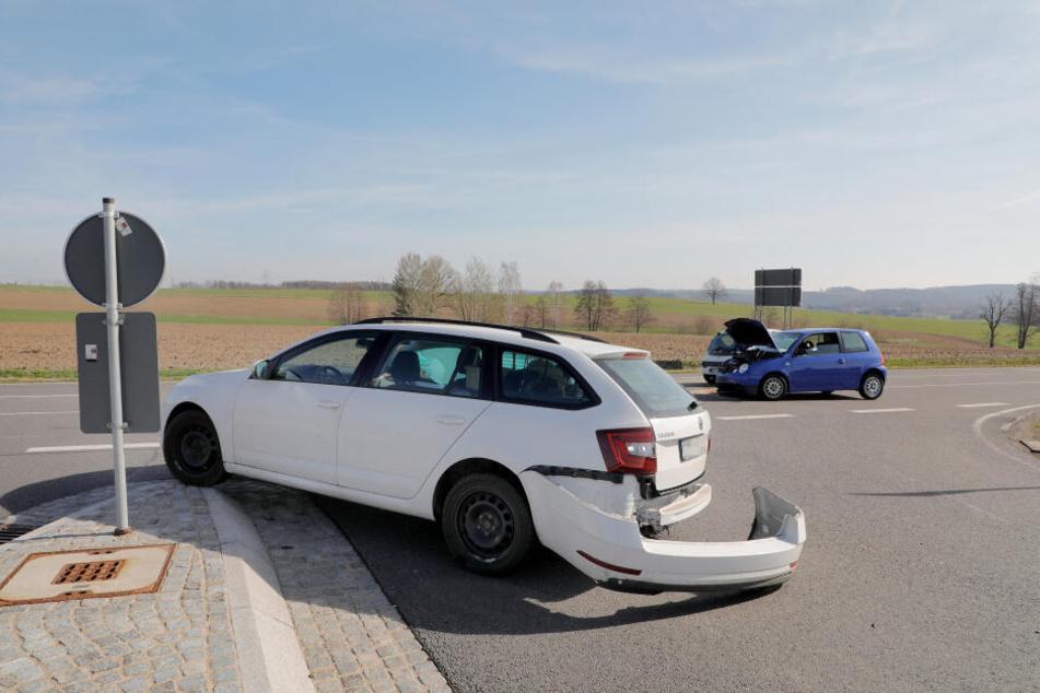 Die Fahrerin des Skoda hatte beim Abbiegen offenbar nicht auf einen VW geachtet.