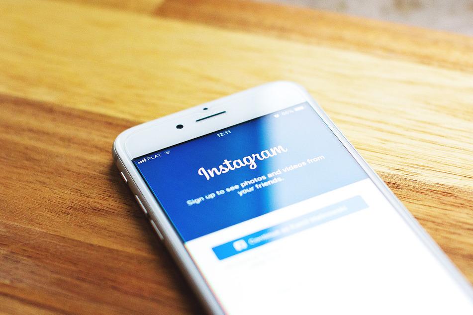 Auf der Foto-Plattform Instagram sollen drei Babys zum Verkauf angeboten worden sein. (Symbolbild)