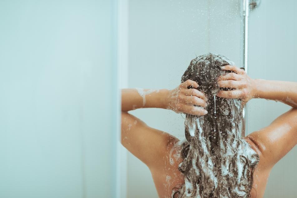 Eine heiße Duschen könnte tödlich für Danielle McCraven (12) sein. (Symbolbild)