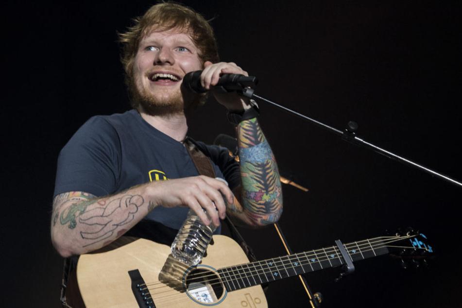 Ed Sheeran strahlt übers ganze Gesicht: Hat er schon seine Verlobte geheiratet?