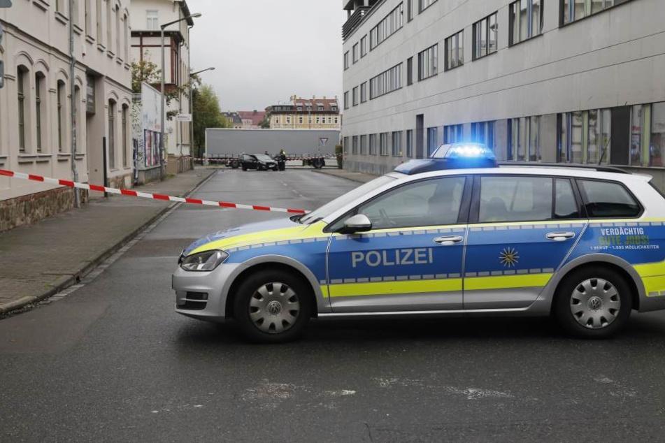 Die Polizei musste auf den Audi schießen, doch das hielt einen Mann und eine Frau nicht von der Flucht ab. (Symbolbild).