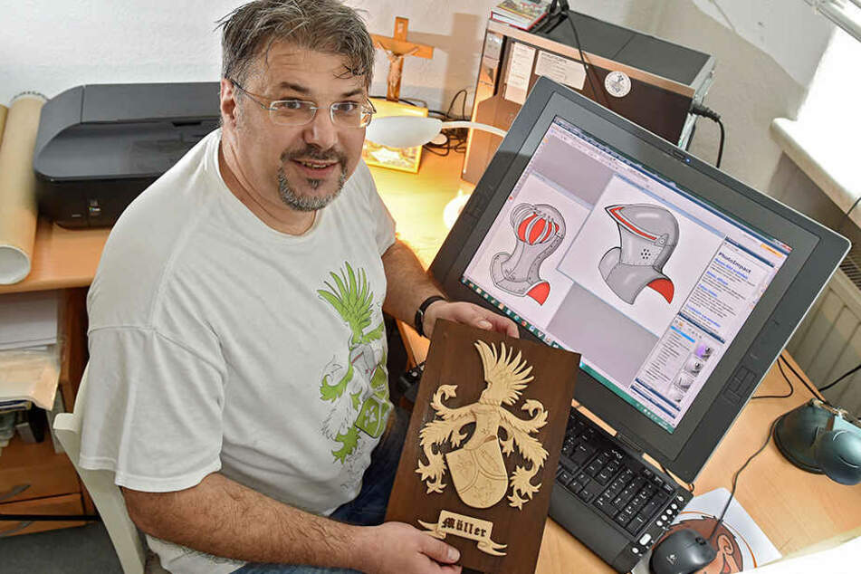 Dirk Müller (50) zeichnet im Jahr bis zu hundert Wappen für seine Kunden.
