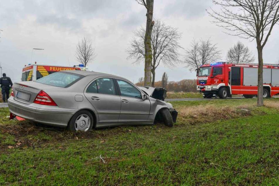Für den Insassen der Mercedes' kam jede Hilfe zu spät, er verstarb noch am Unfallort.