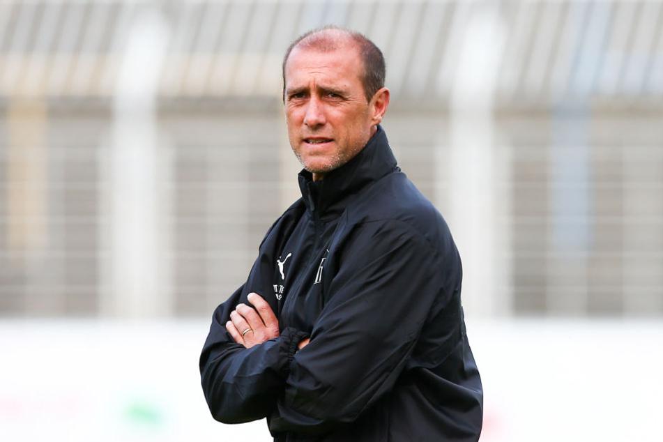 FSV-Coach Joe Enochs will mit seiner Mannschaft beim Testspiel in Pirna-Copitz Zweitligist Dynamo Dresden ärgern.