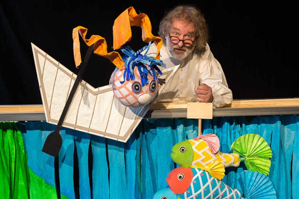 Einmalige Gelegenheit: Helfer des Zwickau Puppentheaters begleiten Künstler und Ensembles aus aller Welt und erleben Festival-Feeling.