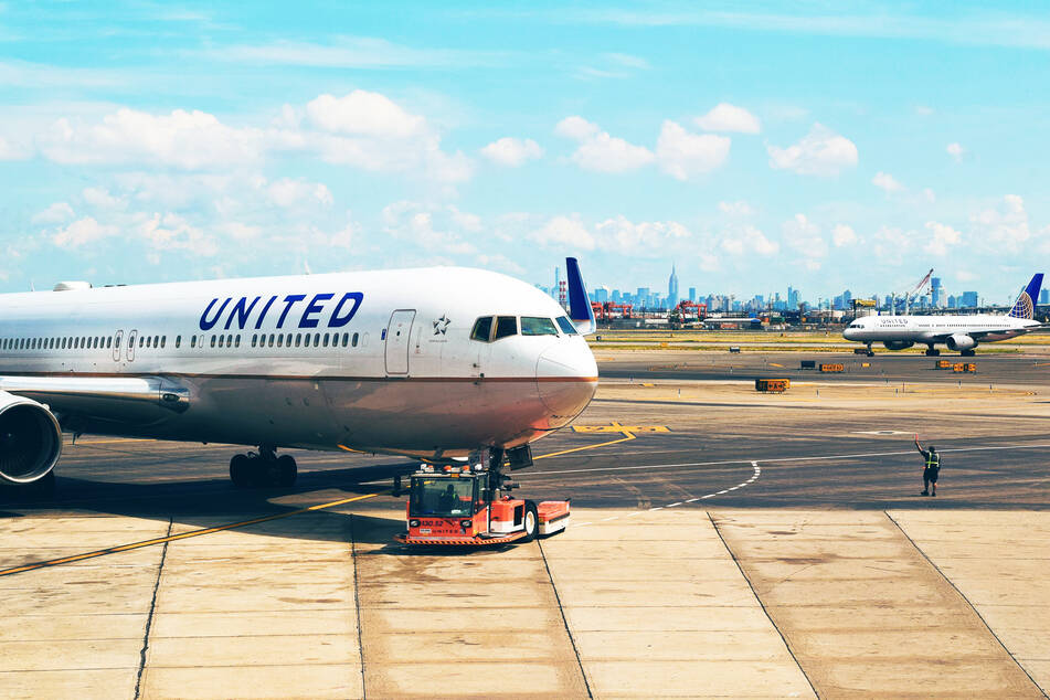 The disaster occurred aboard a United Airlines flight. (stock image)