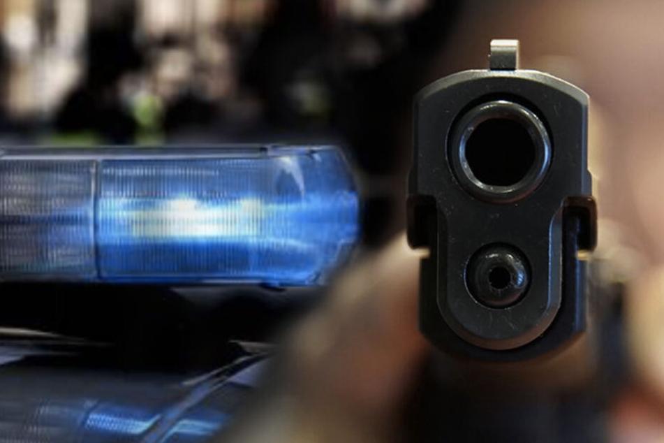 Leipzig: Polizeieinsatz in Leipzig: Mann in Schussweste zielt mit Waffe aus Fenster