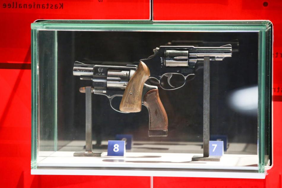 Die Tatwaffen von Werner Pinzner im Hamburger Polizeimuseum.
