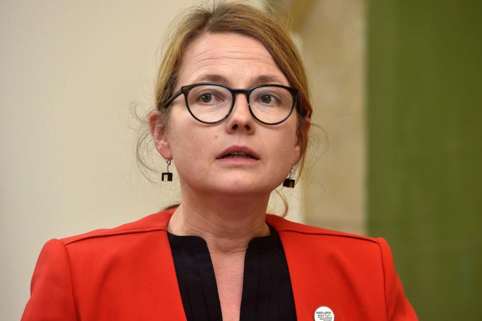 Annekatrin Klepsch (40, Die Linke) ist die zuständige Bürgermeisterin für Kultur und Tourismus. Die Stadt fordert den Wiederaufbau.