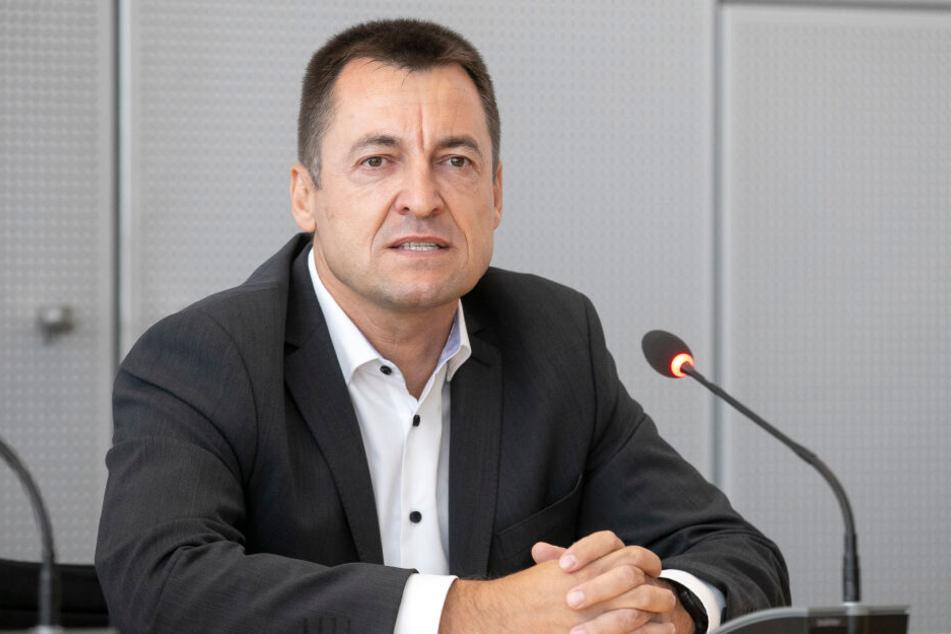 Der Dresdner FDP-Bundestagsabgeordnete Torsten Herbst (46) kritisiert das lahme Tempo beim Ausbau.