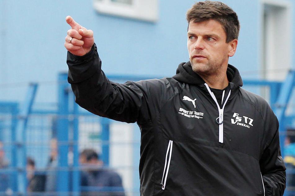 Zwickau-Trainer Ziegner hat fü das Spiel gegen Halle einige Ideen im Kopf.