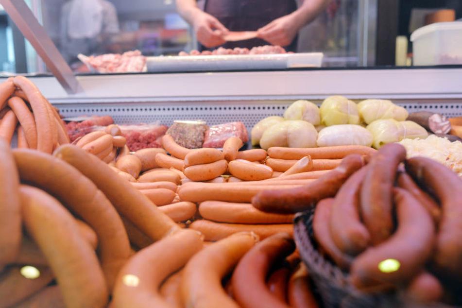Neun von Zehn Deutschen bis 51 werfen Lebensmittel weg.