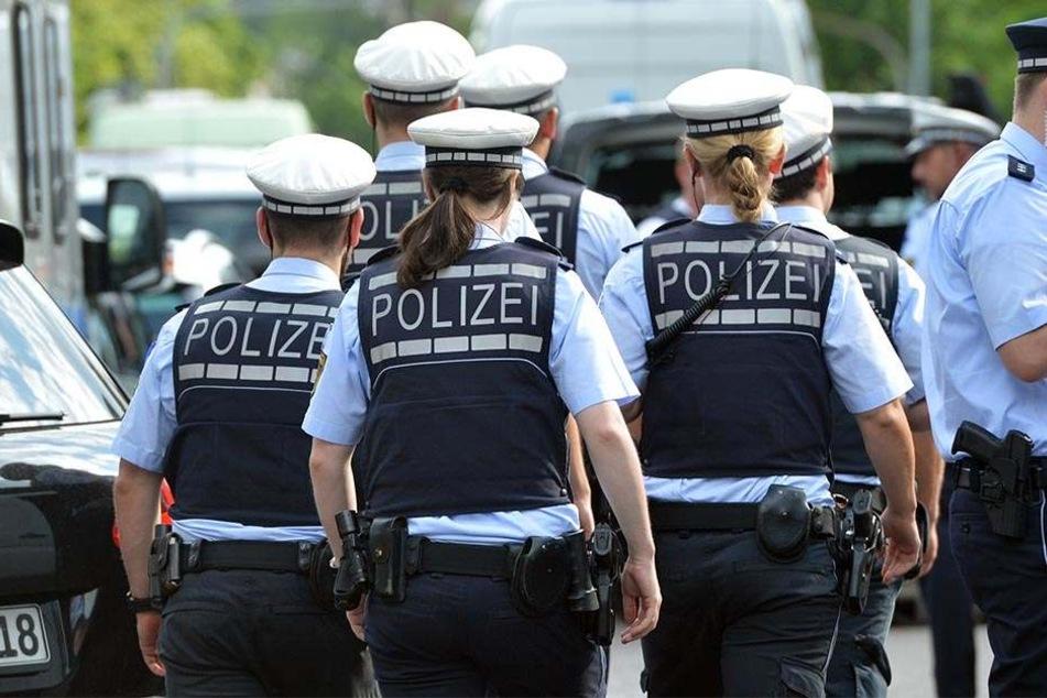 Polizisten in Paderborn wurden über ein soziales Netzwerk von einem Hamelner bedroht. (Symbolbild)