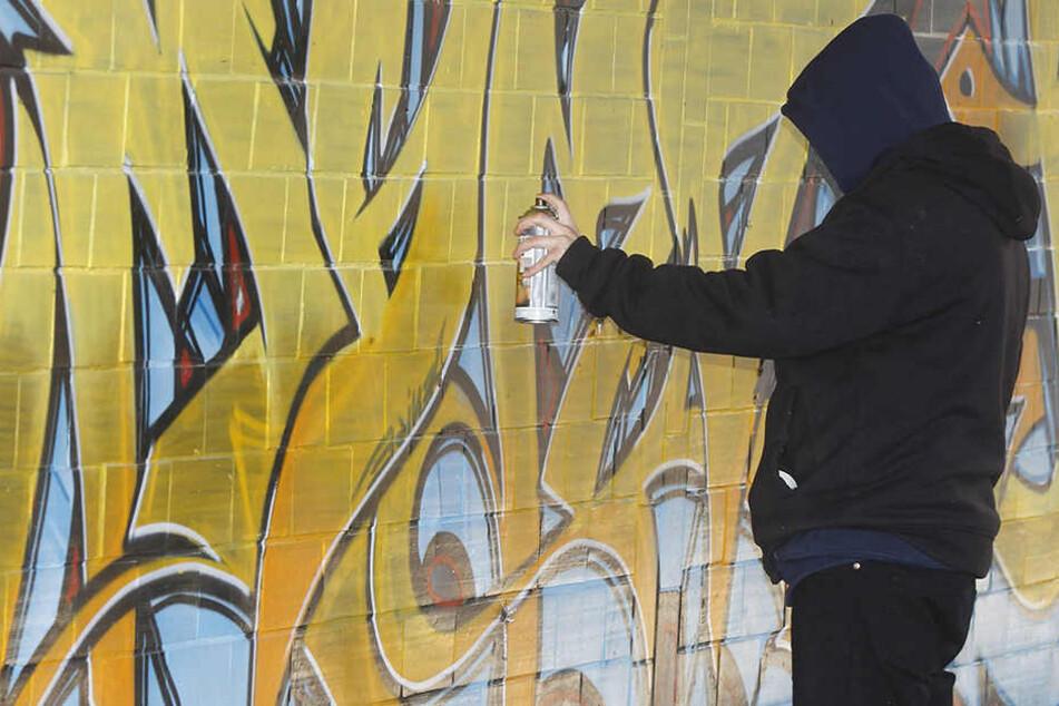 Ein 18-Jähriger wurde in Erfurt beim illegalen Sprayen erwischt. (Symbolbild)