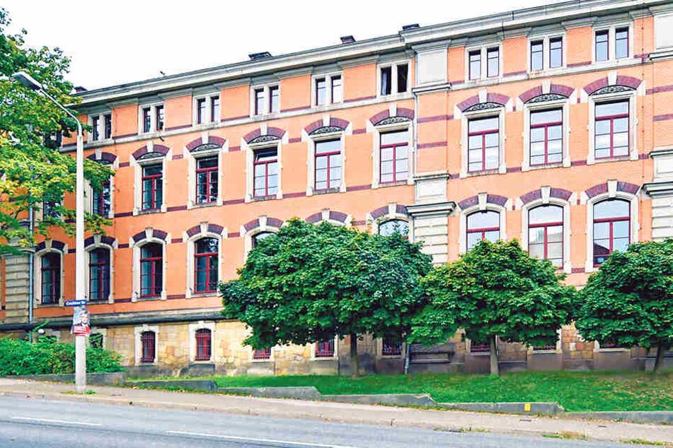 Das Gymnasium Plauen an der Kantstraße hofft auf den  nötigen Umbau ab Sommer nächsten Jahres.