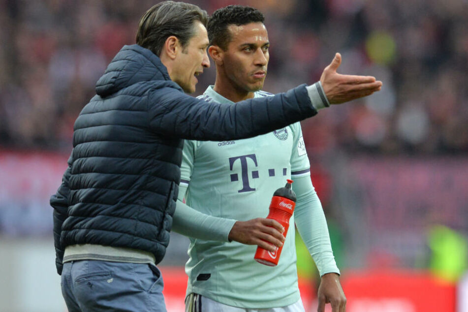Bayern-Trainer Niko Kovac (l.) will sich die Meisterschaft im ersten Jahr sichern.
