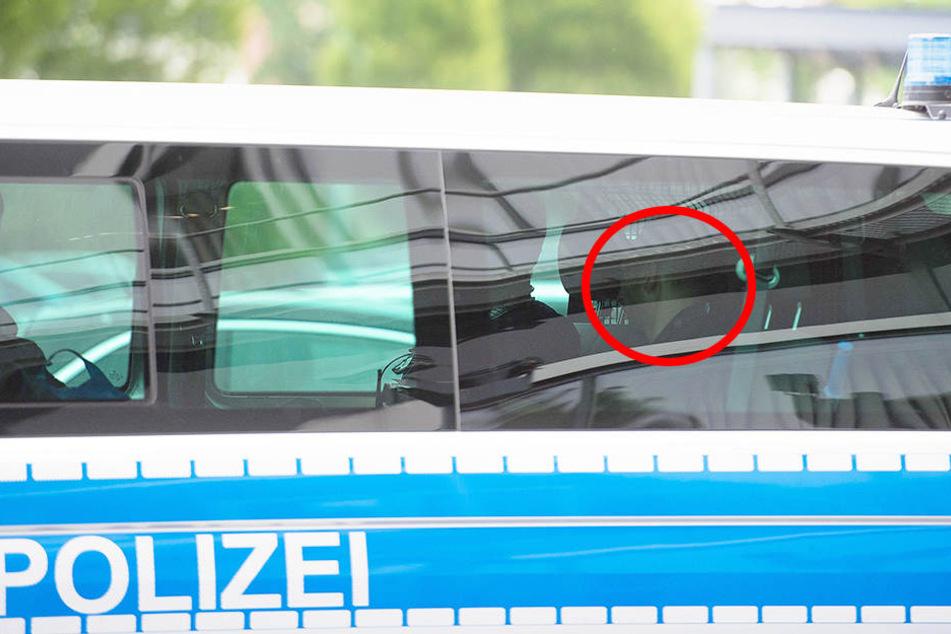 Hier wird der Erfurter Vergewaltiger von der Polizei zum Haftrichter gebracht