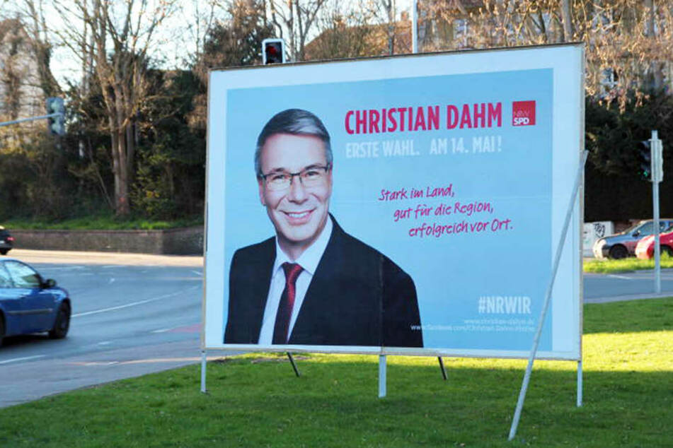 Wahlplakate für die Landtagswahl in NRW hängen überall.