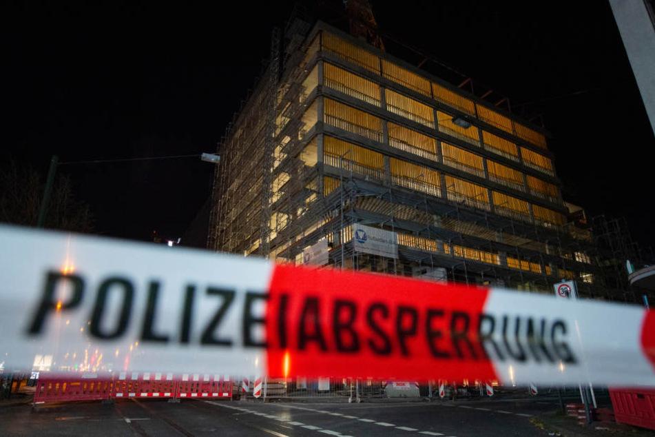 Das Gebäude in Düsseldorf wurde leergeräumt.