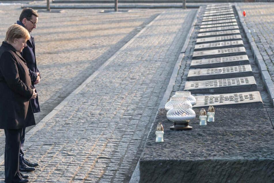 Am 6. Dezember besuchte Kanzlerin Merkel (65, CDU) die Gedenkstätte Auschwitz.