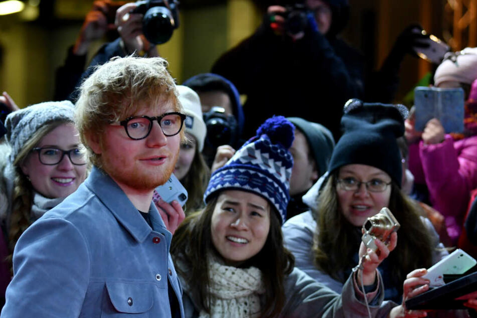 Ed Sheeran mag es nicht, von vielen fotografiert zu werden. Er fühlt sich dann wie ein Zootier.