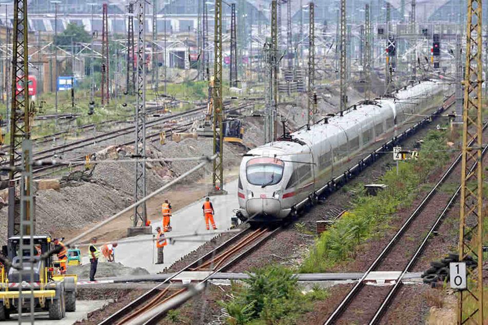 Die Bahnstrecke von Dresden nach Leipzig musste beidseitig stundenlang gesperrt werden.