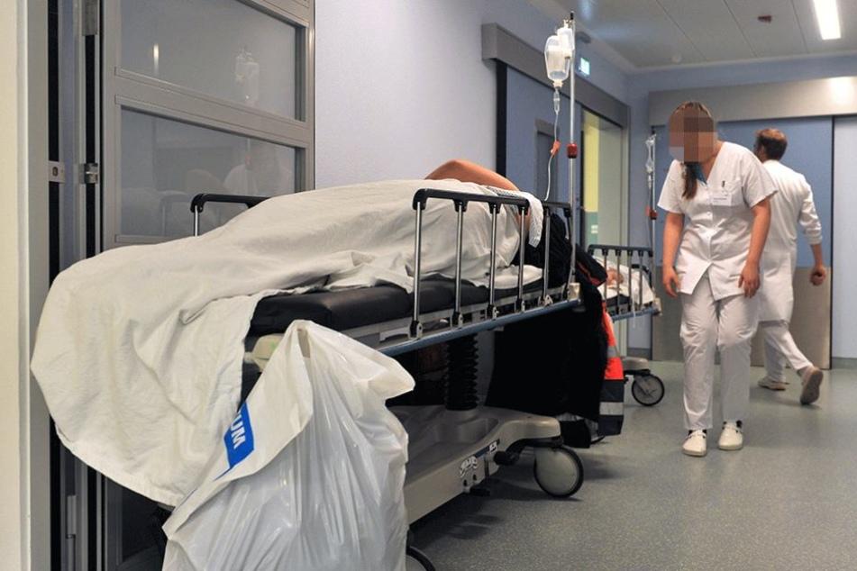 Wegen schweren Gesichtsverletzungen musste der Mann im Krankenhaus behandelt werden. Wo er sie her hat, wusste er nicht mehr (Symbolbild).